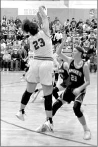 Ladycats roll over Shiner and Louise