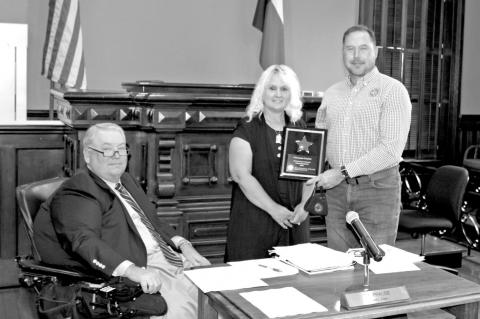 Joyce Guthmann receives Excellence in Safety Award