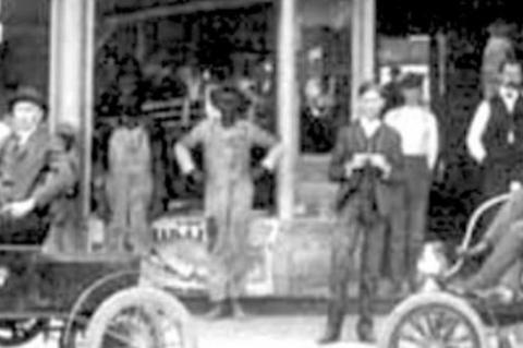 When the 'horseless carriage' came to town
