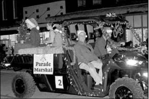 Eagle Lake Christmas parade lights up downtown
