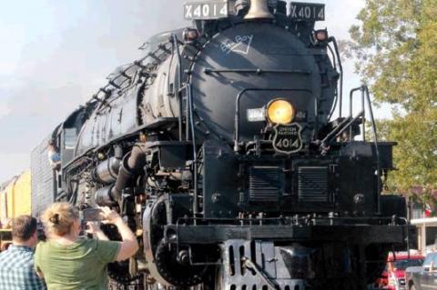 BIG BOY PAYS HISTORIC VISIT TO COLORADO COUNTY