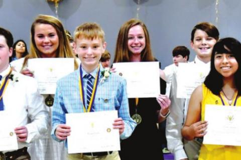 WEIMAR JHS EIGHTH GRADE STUDENTS RECEIVE AWARDS