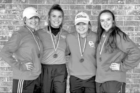 Lady Cards golf finishes third in tourney