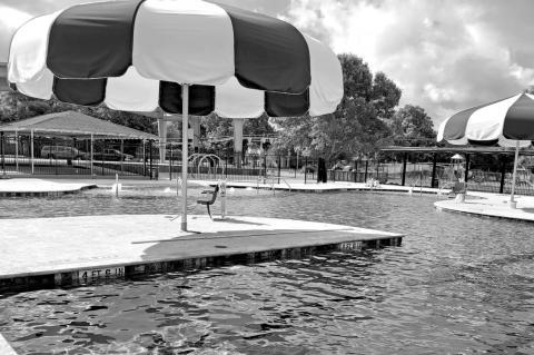 Weimar pool now open