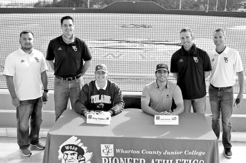 WCJC baseball players sign to D1 school